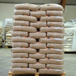 Quality-Wood-Pellets-Pine-and-Oak-Wood